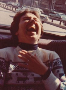 pak-laugh-in-car-crop2